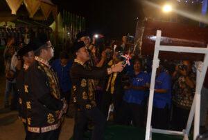 Gubenrnur Kalteng, H. Sugianto Sabran saat membuka pagelaran Musabaqah Tilawatil Quran (MTQ) ke-XXIX Tingkat Provinsi Kalimantan Tengah 2018 di Kabupetan Pulang Pisau
